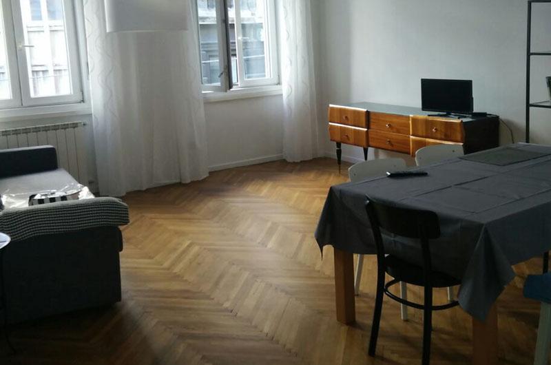 http://www.homestagingtrieste.it/wp-content/uploads/2017/05/03_Trieste_soggiorno3.jpg